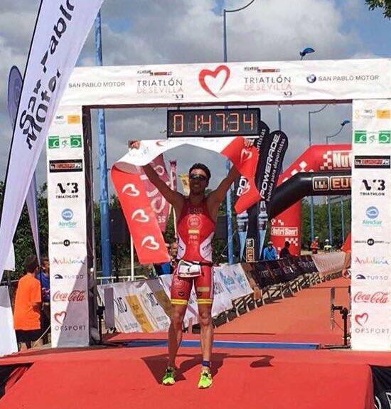 Por 2º año consecutivo CAMPEONES del Triatlón Ciudad de Sevilla
